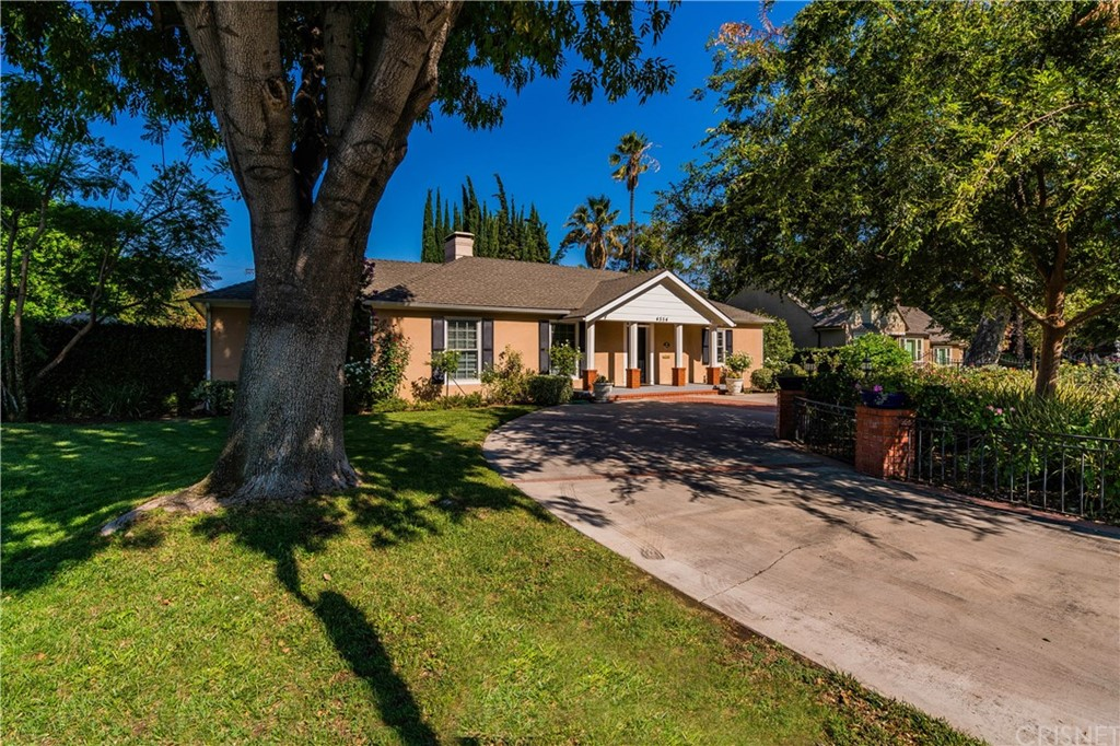 Photo of 4554 SANCOLA AVENUE, Toluca Lake, CA 91602