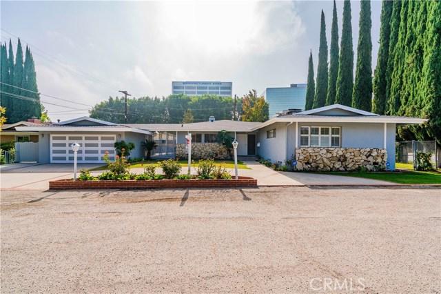 4904 Libbit Avenue, Encino CA: http://media.crmls.org/mediascn/42dff1bc-be2d-4378-a880-816424d5218f.jpg