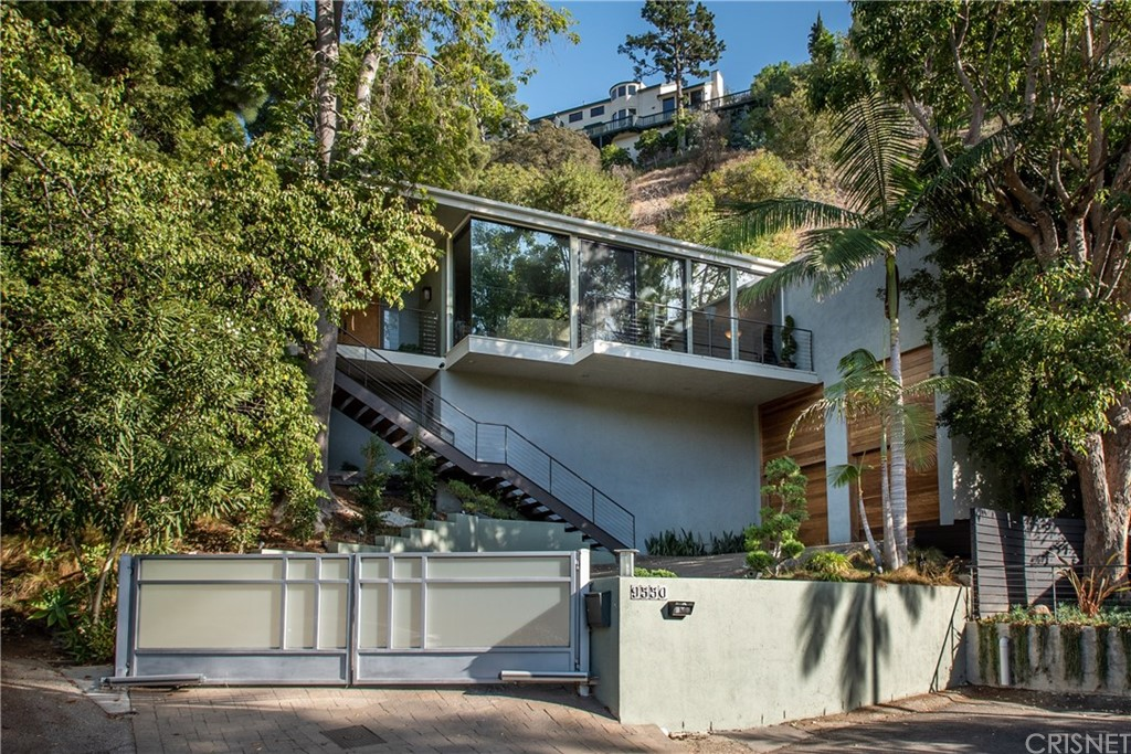 Photo of 9550 SHERWOOD FOREST Lane, Beverly Hills, CA 90210