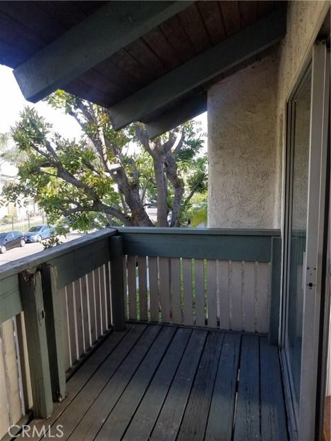 8601 International Avenue Unit 203 Canoga Park, CA 91304 - MLS #: SR18089305