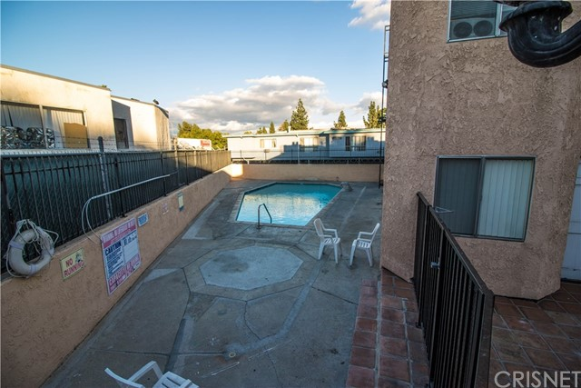 8020 Langdon Avenue Unit 207 Van Nuys, CA 91406 - MLS #: SR17260763