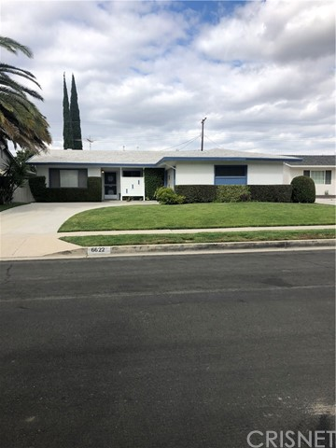 6622 Franrivers Avenue, West Hills CA: http://media.crmls.org/mediascn/434fb087-ec5b-441c-bc42-4c54caec2c86.jpg