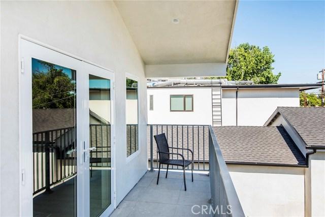 17912 Erwin Street, Encino CA: http://media.crmls.org/mediascn/435144d5-9f57-4454-8059-e171796ae5da.jpg