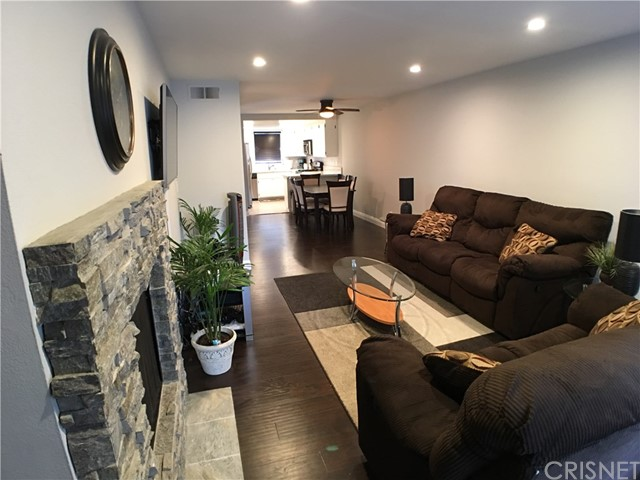 26798 Claudette Street Unit 335, Canyon Country CA 91351