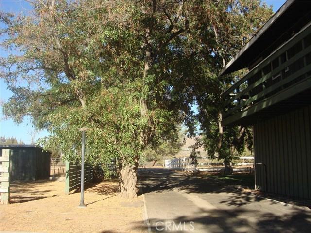 2011 Carson Mesa Road, Acton CA: http://media.crmls.org/mediascn/4365579a-031d-4a17-87be-efaad08721d9.jpg