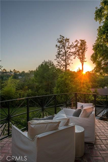 4626 Encino Avenue, Encino CA: http://media.crmls.org/mediascn/436ce4f4-771b-41d3-b07e-393781b329e7.jpg
