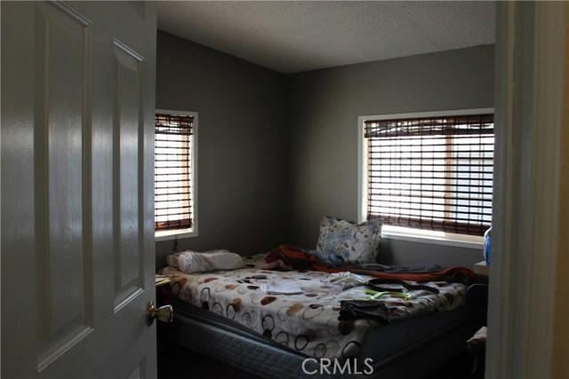 30000 SAND CANYON Road, Canyon Country CA: http://media.crmls.org/mediascn/43918eca-fbe1-4545-8294-24e6b718cf81.jpg