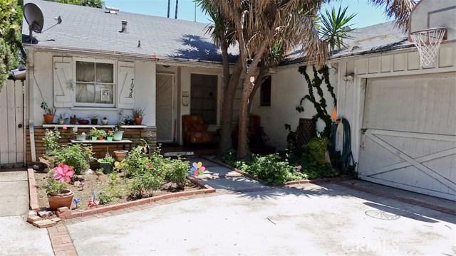 7038 Mclennan Avenue, Lake Balboa CA: http://media.crmls.org/mediascn/4399271a-563f-49b2-bdfb-baa1f0a362a6.jpg