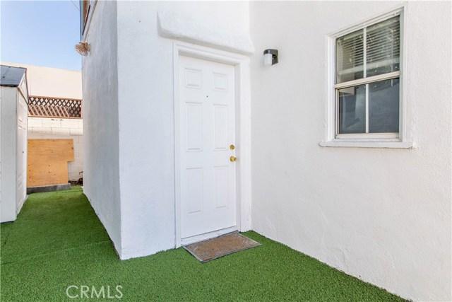 8601 W Cadillac Avenue, Los Angeles CA: http://media.crmls.org/mediascn/439a67a4-16b3-497c-98b6-76a2abed0b33.jpg