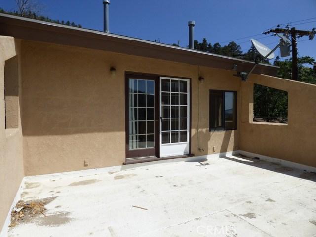 825 Buena Vista Way, Frazier Park CA: http://media.crmls.org/mediascn/43b0f62c-2c9e-4ae6-afb7-e037349ed784.jpg