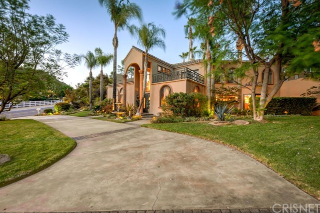 Single Family Home for Sale at 136 Saddlebow Road 136 Saddlebow Road Bell Canyon, California 91307 United States