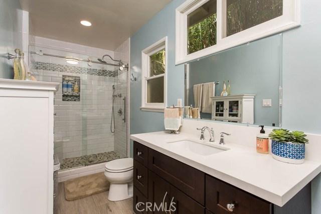 14331 Killion Street, Sherman Oaks CA: http://media.crmls.org/mediascn/443430e8-fbbd-4f1f-bbb3-f6d41939d604.jpg