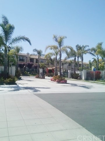 Townhouse for Sale at 1305 Bayside Circle Oxnard, California 93035 United States