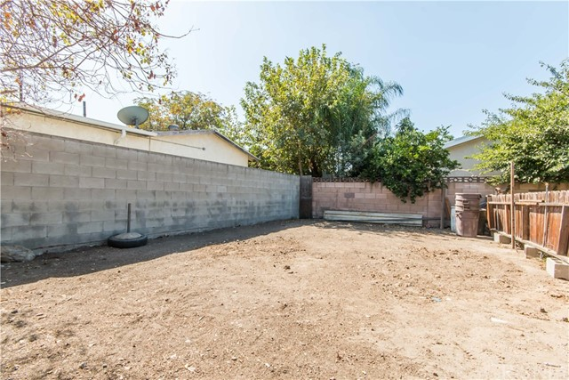 Additional photo for property listing at 13472 Brownell Street  San Fernando, 加利福尼亚州 91340 美国