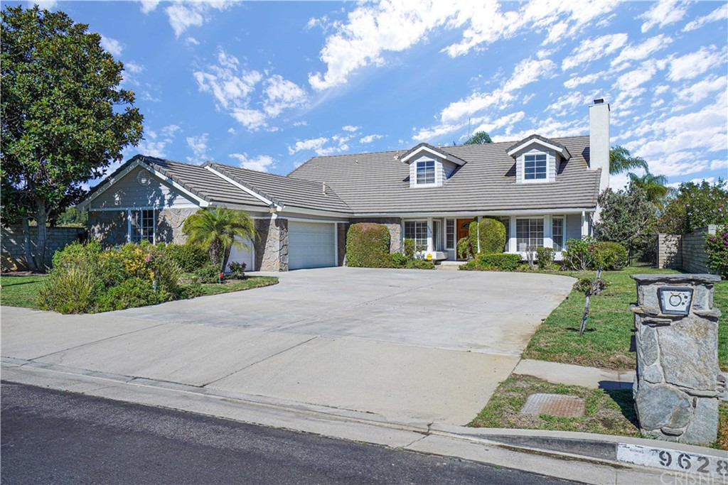 9628 KENTLAND Avenue, Chatsworth, CA 91311