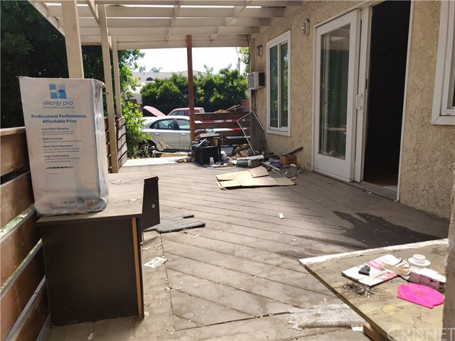 4329 Allott Avenue, Sherman Oaks CA: http://media.crmls.org/mediascn/44a76205-efc2-4816-8a88-385a0c82f11f.jpg