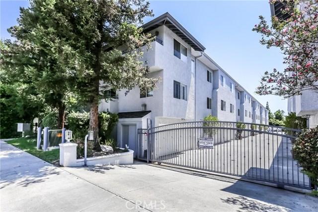 17736 Superior Street, Northridge CA: http://media.crmls.org/mediascn/44bdc904-d68e-4fa5-ab0e-b8d33965989a.jpg