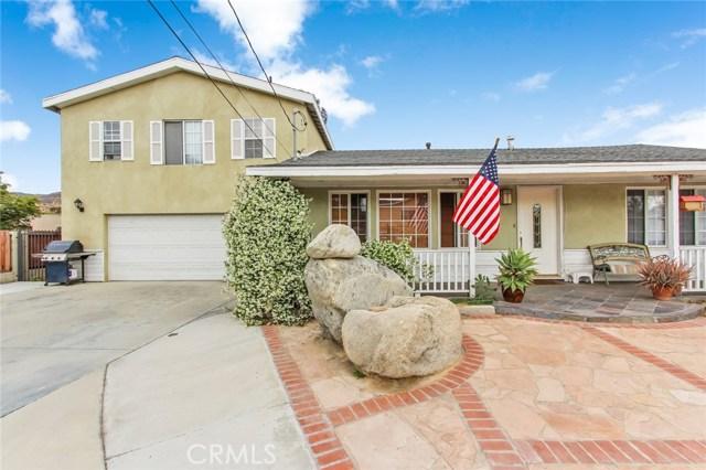 10922 Olinda Street, Sun Valley CA: http://media.crmls.org/mediascn/45142f2f-51d9-4e4e-b6b5-b29c0a395a86.jpg