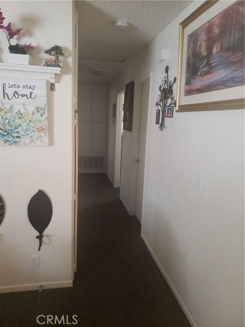 10105 E Avenue R6, Littlerock CA: http://media.crmls.org/mediascn/45149677-d93b-4d3d-8e3f-626dab6be3a2.jpg