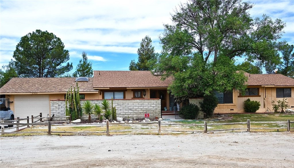 Photo of 29455 LUZON DRIVE, Saugus, CA 91390