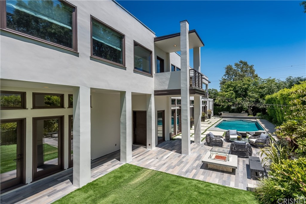 4160 DIXIE CANYON Avenue, Sherman Oaks, CA 91423