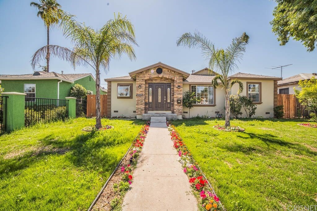 6929 WHITE OAK Avenue, Lake Balboa, CA 91335