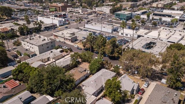 5228 Tilden Avenue, Sherman Oaks CA: http://media.crmls.org/mediascn/4589204d-bc68-479d-8379-75f76228a2e3.jpg