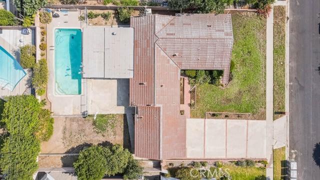 10920 Garden Grove Avenue, Northridge CA: http://media.crmls.org/mediascn/45964876-d13f-458c-81fc-ec4dd3156ddc.jpg