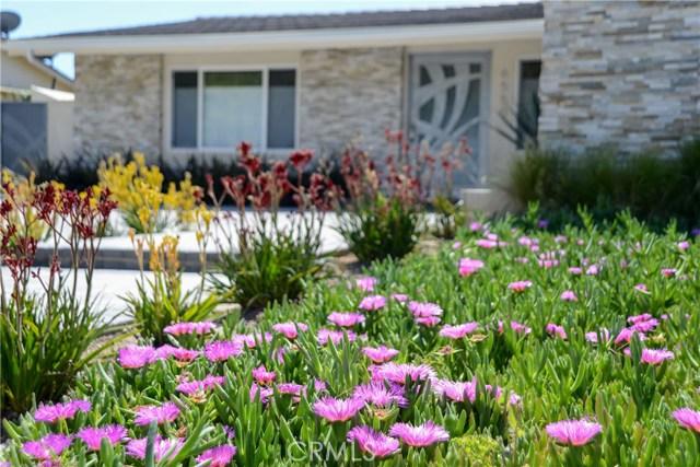 Single Family Home for Rent at 6550 Smoke Tree Avenue Oak Park, California 91377 United States