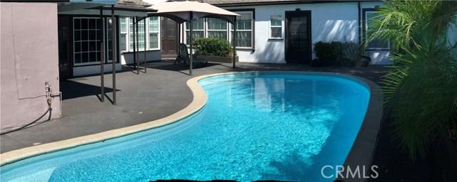 3781 Laurel Canyon Boulevard, Studio City CA: http://media.crmls.org/mediascn/463e7d16-6c5f-4798-ab1d-27b244e22c86.jpg