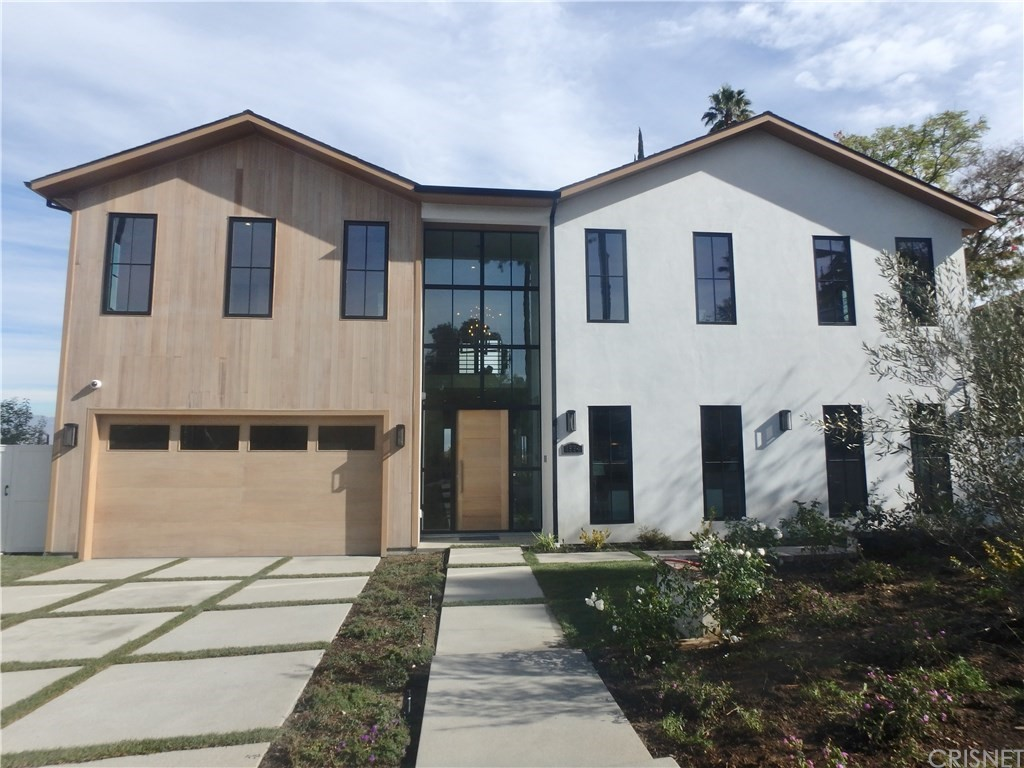 Photo of 4594 WHITE OAK PLACE, Encino, CA 91316