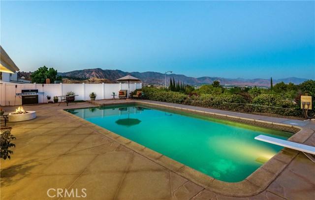 17460 Tuscan Drive, Granada Hills CA: http://media.crmls.org/mediascn/46a8e2d7-d7dd-47ce-a332-226c9a07caba.jpg