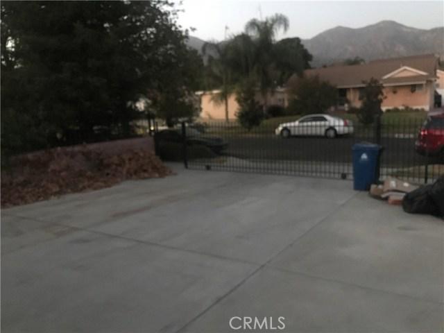 13377 Wheeler, Sylmar CA: http://media.crmls.org/mediascn/46e0a9f5-1cca-4511-b8bd-f00a399ec436.jpg