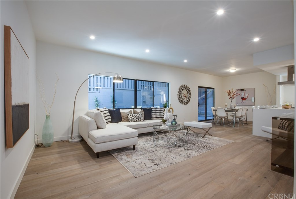 1823 N FULLER Avenue 6, Hollywood Hills, CA 90046