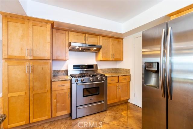 18638 Ludlow Street, Northridge CA: http://media.crmls.org/mediascn/470c21b0-2793-4575-9ad1-479542cee6fe.jpg