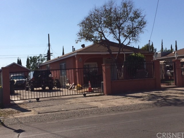 8547 Lehigh Avenue Sun Valley, CA 91352 - MLS #: SR18057475