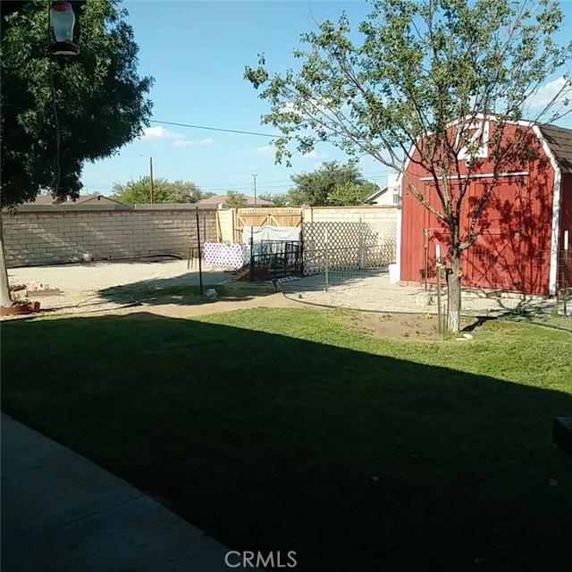 9749 Irene Avenue, California City CA: http://media.crmls.org/mediascn/4741c9de-3227-4a1b-a59e-a23510af11e0.jpg