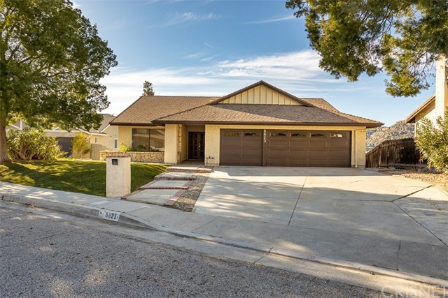 Photo of 8823 Moorcroft Avenue, West Hills, CA 91304