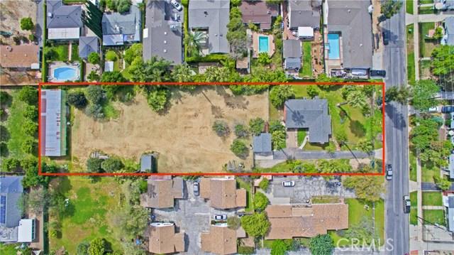 17540 Kingsbury Street, Granada Hills CA: http://media.crmls.org/mediascn/47d8ead9-6174-47bd-99ee-f4f57a8c02a5.jpg