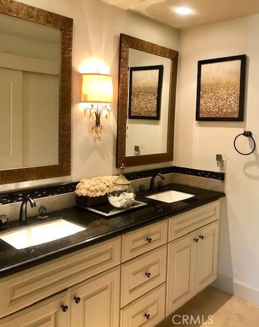 381 Maidstone Lane, Thousand Oaks CA: http://media.crmls.org/mediascn/47e8b310-593a-472c-af54-0a3eb3dd63b1.jpg
