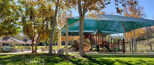 23963 Arroyo Park Drive, Valencia CA: http://media.crmls.org/mediascn/483324f4-5719-4397-b203-534e67abe287.jpg