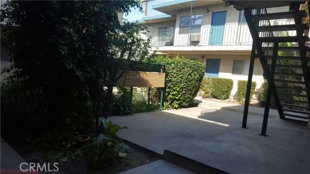 14075 Foothill Boulevard, Sylmar CA: http://media.crmls.org/mediascn/483b6c3f-3153-488a-9c09-70f681bb1516.jpg