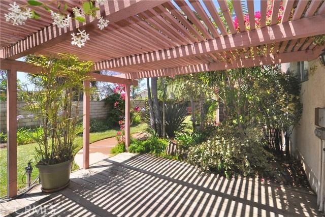 2736 Via Del Nogal, Camarillo CA: http://media.crmls.org/mediascn/483c0c3c-d300-401f-92a6-db6fbe906ba4.jpg