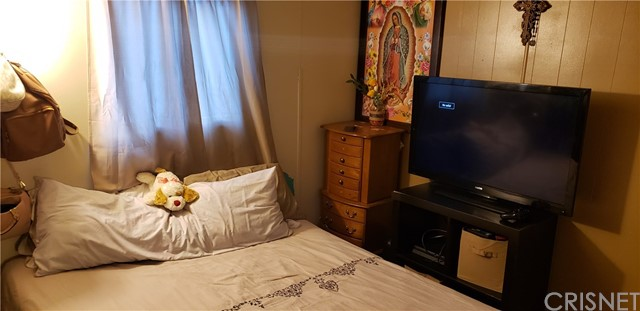 1617 Avenue I, Lancaster CA: http://media.crmls.org/mediascn/483d5ef5-e084-4773-8229-cac393807615.jpg