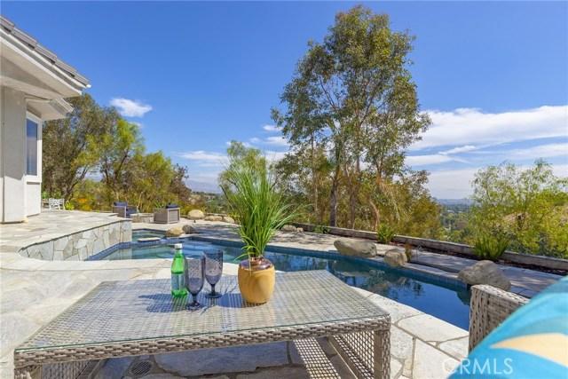 24833 Jacob Hamblin Road, Hidden Hills CA: http://media.crmls.org/mediascn/4861e6ad-d6ea-41cf-a162-8173b5099b56.jpg