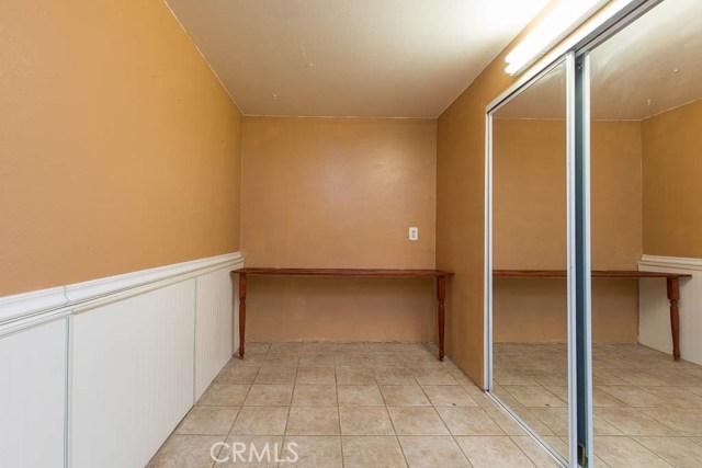 14018 Vanowen Street, Valley Glen CA: http://media.crmls.org/mediascn/48821c0b-3258-46d9-841d-201a938ac4cd.jpg
