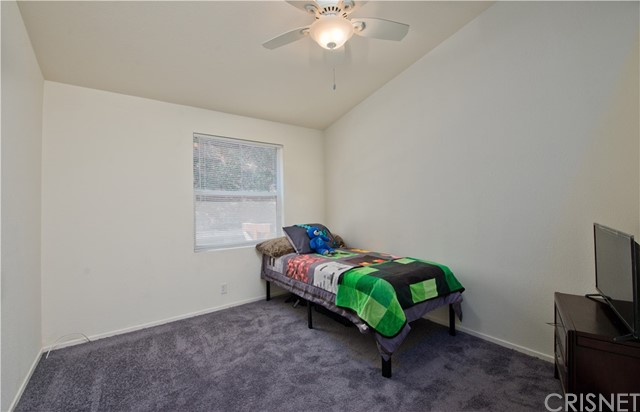 23208 Raymond Street, Chatsworth CA: http://media.crmls.org/mediascn/488cb4f6-4918-439b-89ce-ca526fea01dd.jpg