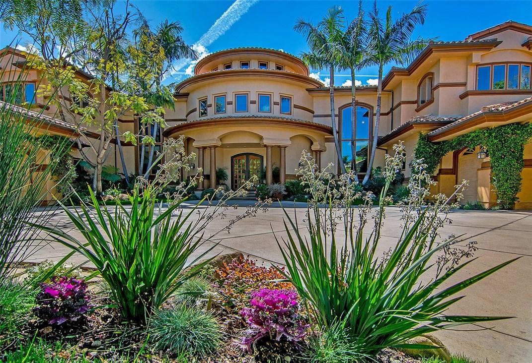 独户住宅 为 销售 在 23920 Linden Terrace 卡拉巴萨斯, 加利福尼亚州 91302 美国