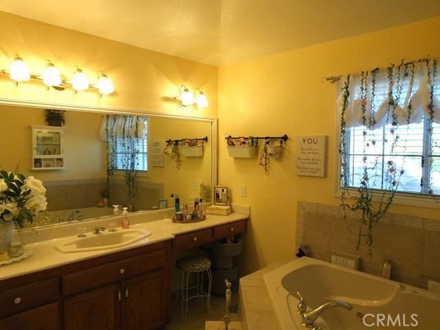 41428 Sandalwood Place, Lancaster CA: http://media.crmls.org/mediascn/4934c017-458f-4182-8ba7-0426f754d6c8.jpg