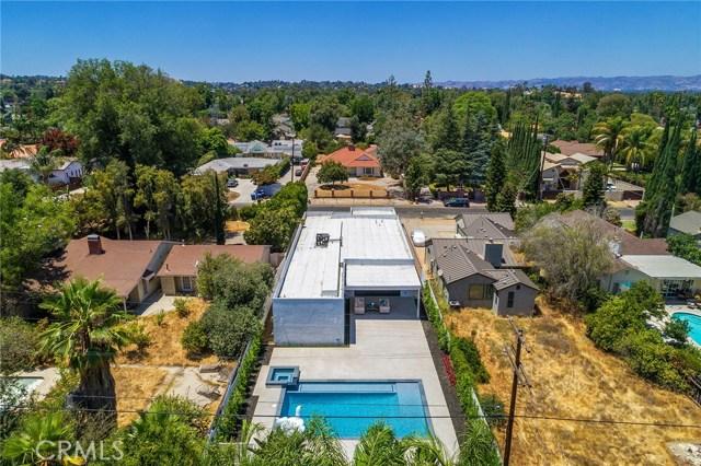 5804 Donna Avenue, Tarzana CA: http://media.crmls.org/mediascn/494f2ef1-5130-4c4e-bb0e-15fdafb1d143.jpg